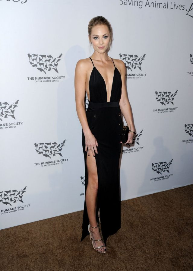 laura-vandervoort-at-humane-society-of-the-united-sstates-to-the-rescue-gala-in-hollywood-05-07-2016_3