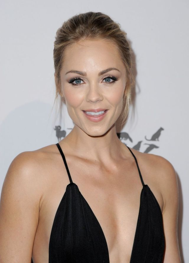 laura-vandervoort-at-humane-society-of-the-united-sstates-to-the-rescue-gala-in-hollywood-05-07-2016_4