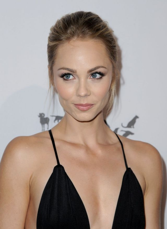 laura-vandervoort-at-humane-society-of-the-united-sstates-to-the-rescue-gala-in-hollywood-05-07-2016_5